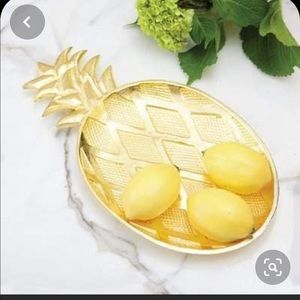 NWT 8 Oak Lane Pineapple Gold Accent Tray